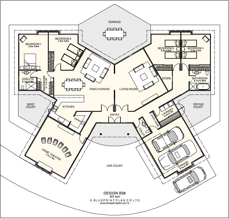 A Butterfly Plan Radiating Symmetrical Wings From A Central Entry Hub House Plans Home Design Plans House Floor Plans