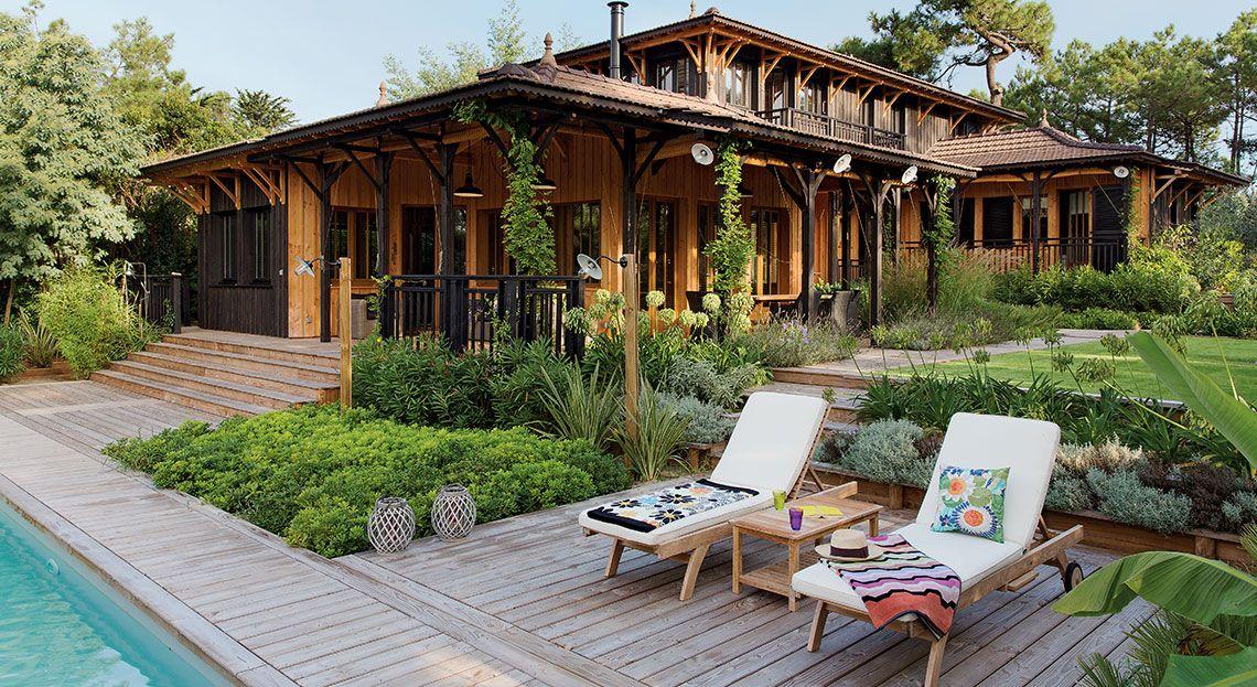 une magnifique maison en bois pour des vacances en famille inoubliables colonial pinterest. Black Bedroom Furniture Sets. Home Design Ideas