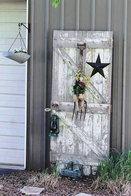 Fun Garden Vignettes From Vintage Doors Barn Door Decor Recycled Door Rustic Doors