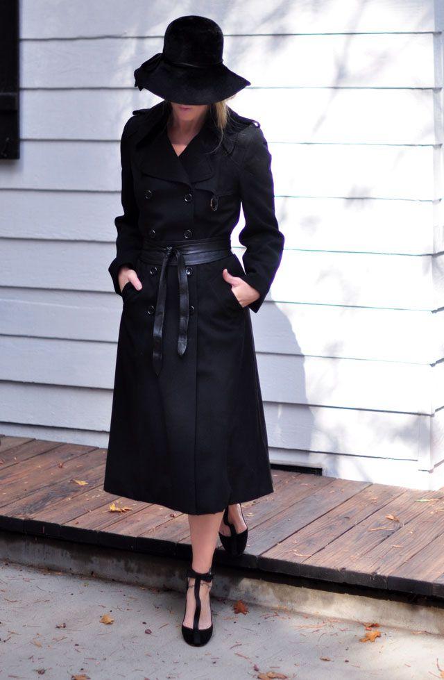 Long Black Trench Coat Black Hat Black Shoes Fashion