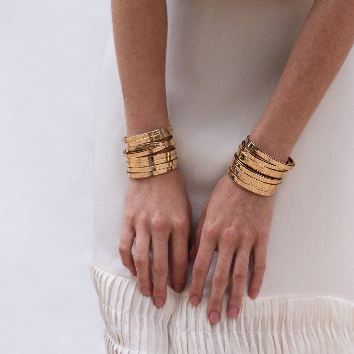 Camila Sarpi manuscript cuffs are gold plated brass and they come with wishes of abundance in Camila's native language, Portuguese. Price is for 1 individual cuff.