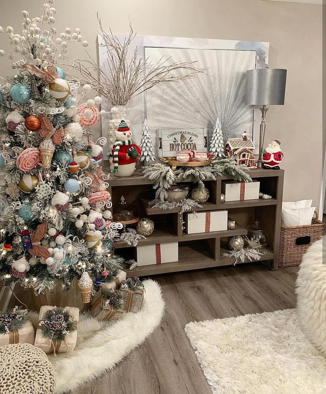 The Best Holiday Decor Finds Online And A New Holiday Decor Online Store 11 Magnolia Lane In 2020 Affordable Holiday Decor Classic Christmas Decorations Holiday Decor