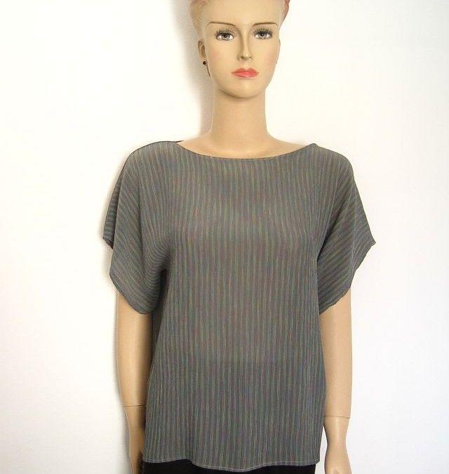 Kimono Top + FREE Sewing Pattern | clothes to sew | Pinterest ...