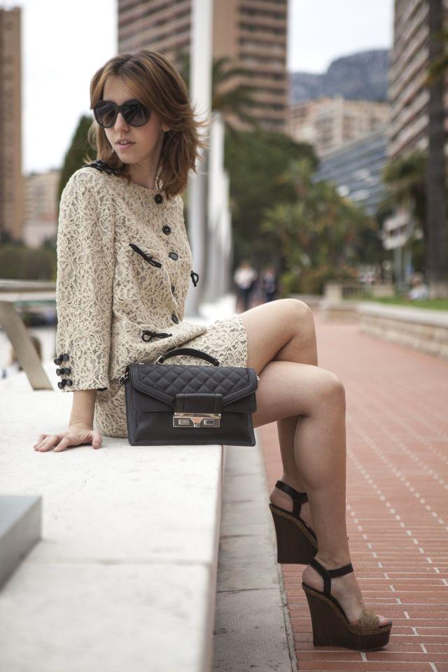 Kastoria, the city of fur !!!  #luxurylife #luxury #fashion #montecarlo #sun #ladyfur #monaco #sunglasses #moschino #borbonese #blogger #fashionblogger #style #chic #meeting #outfit #summer #2013  #openair #summer2013 #totallook #look #skirt #jacket #bag