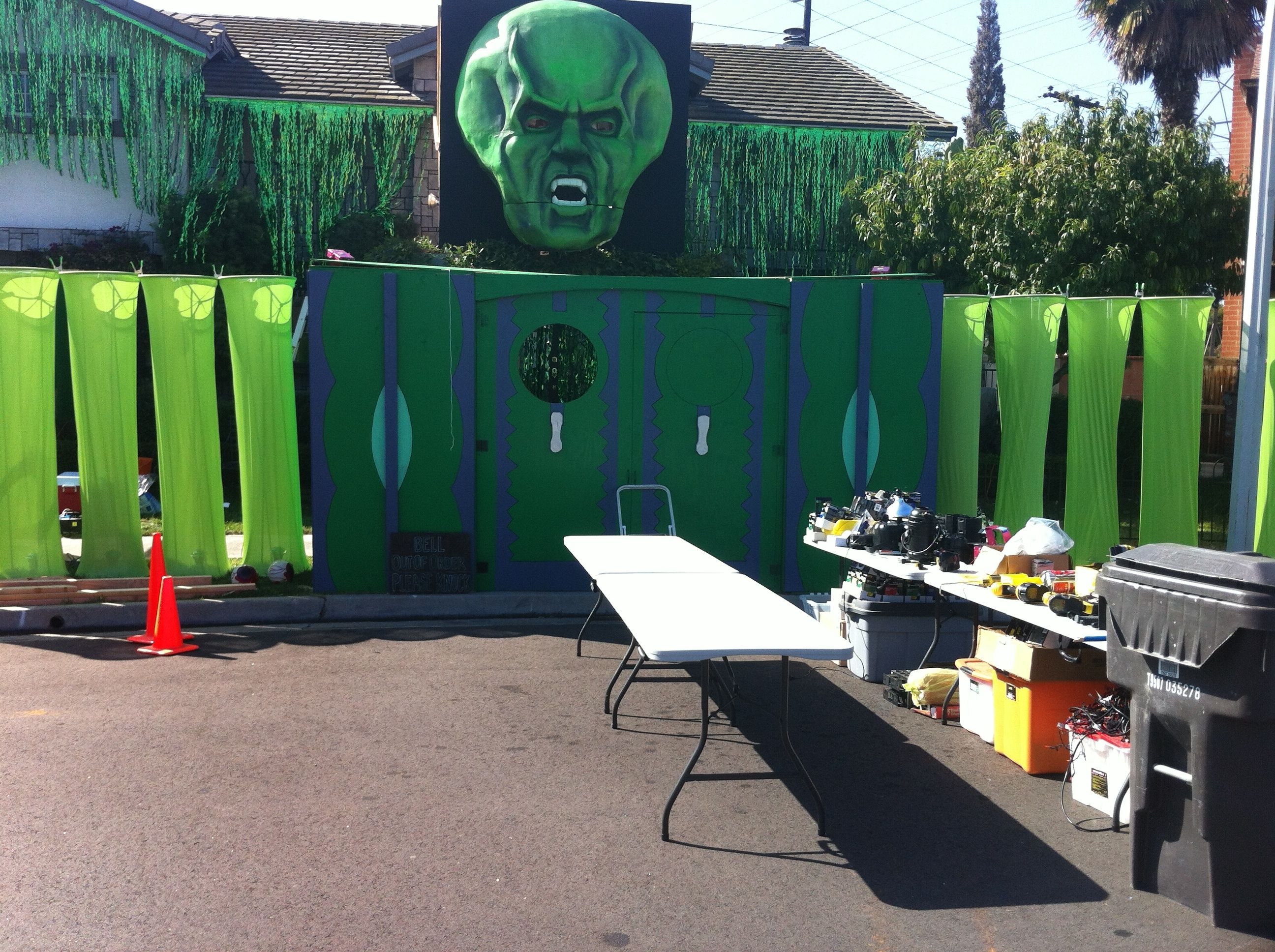 Wonderful Wizard Of Oz Inspired Halloween House In Fountain Valley