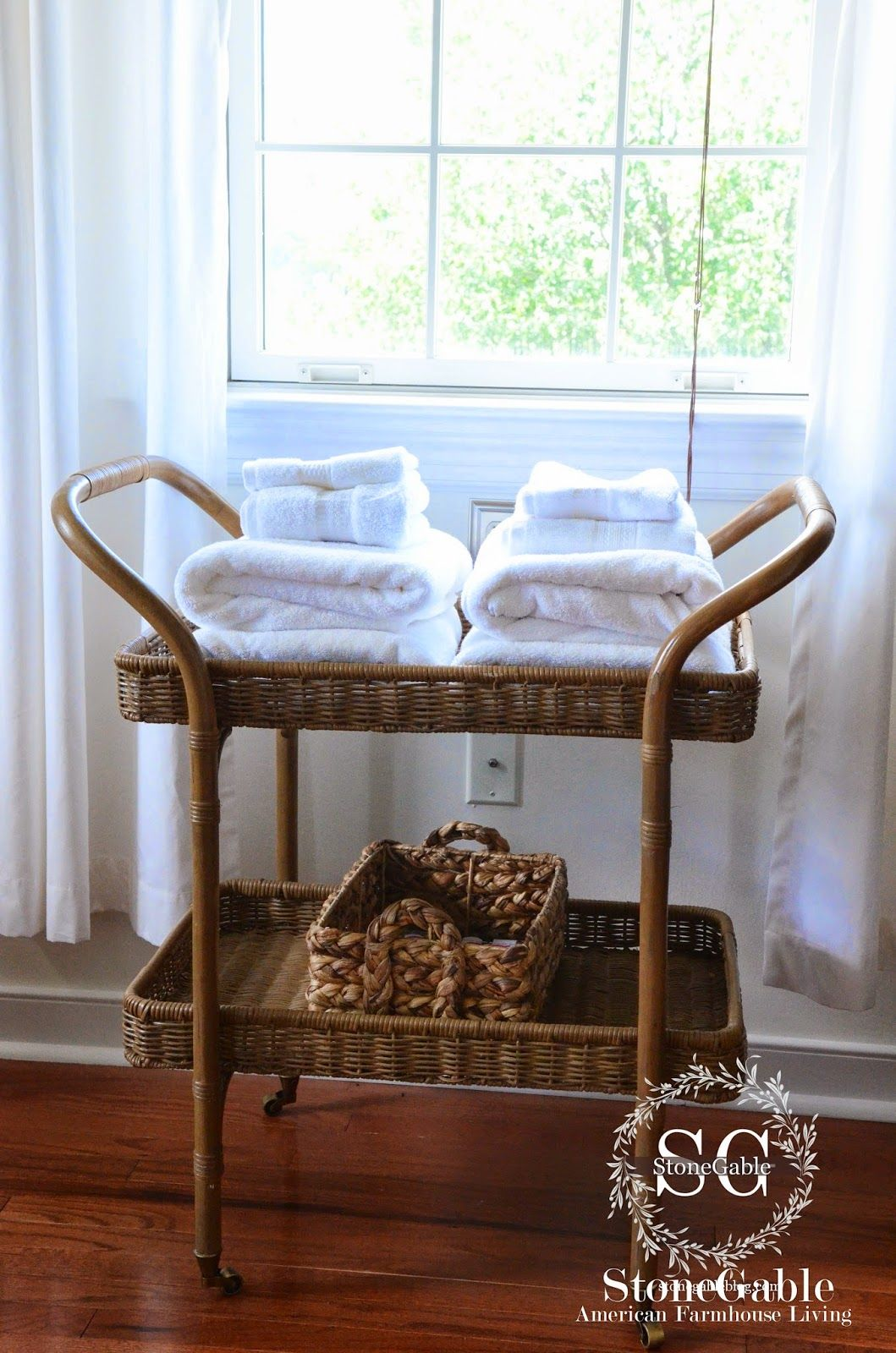 10 essentials of a cozy guest room  guest room essentials