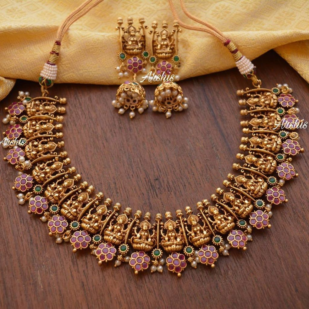Trending Traditional Jewellery You Can Shop Right Now South India Jewels In 2020 Indian Jewellery Design Earrings Indian Wedding Jewelry Sets Antique Jewellery Designs