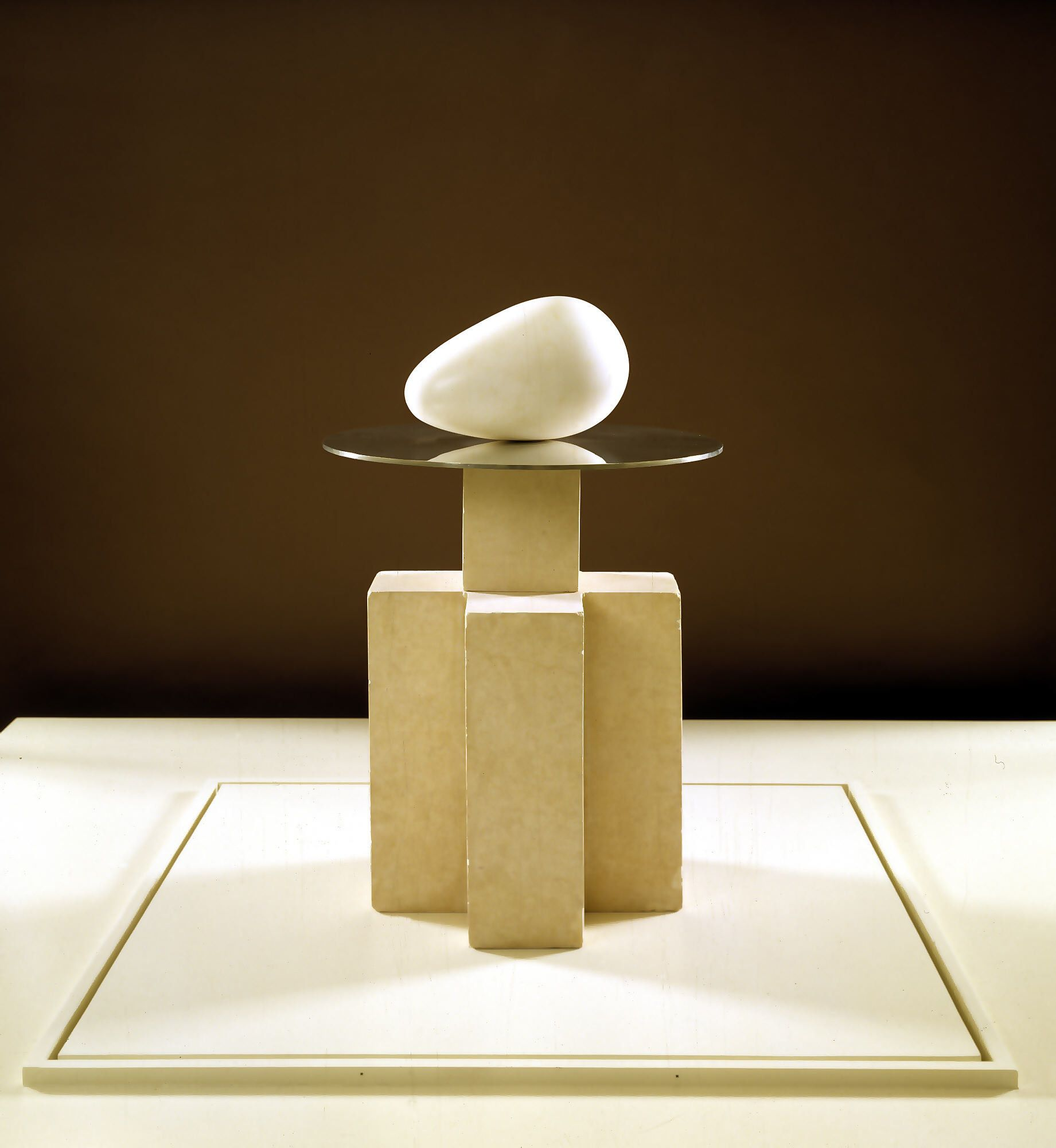 Het ontstaan van de wereld ~ 1924 ~ Marmer ~ 15,2 x 30,5 cm. ~ Dallas Museum of Art, Dallas ~ © ADAGP, Paris and DACS, London 2015