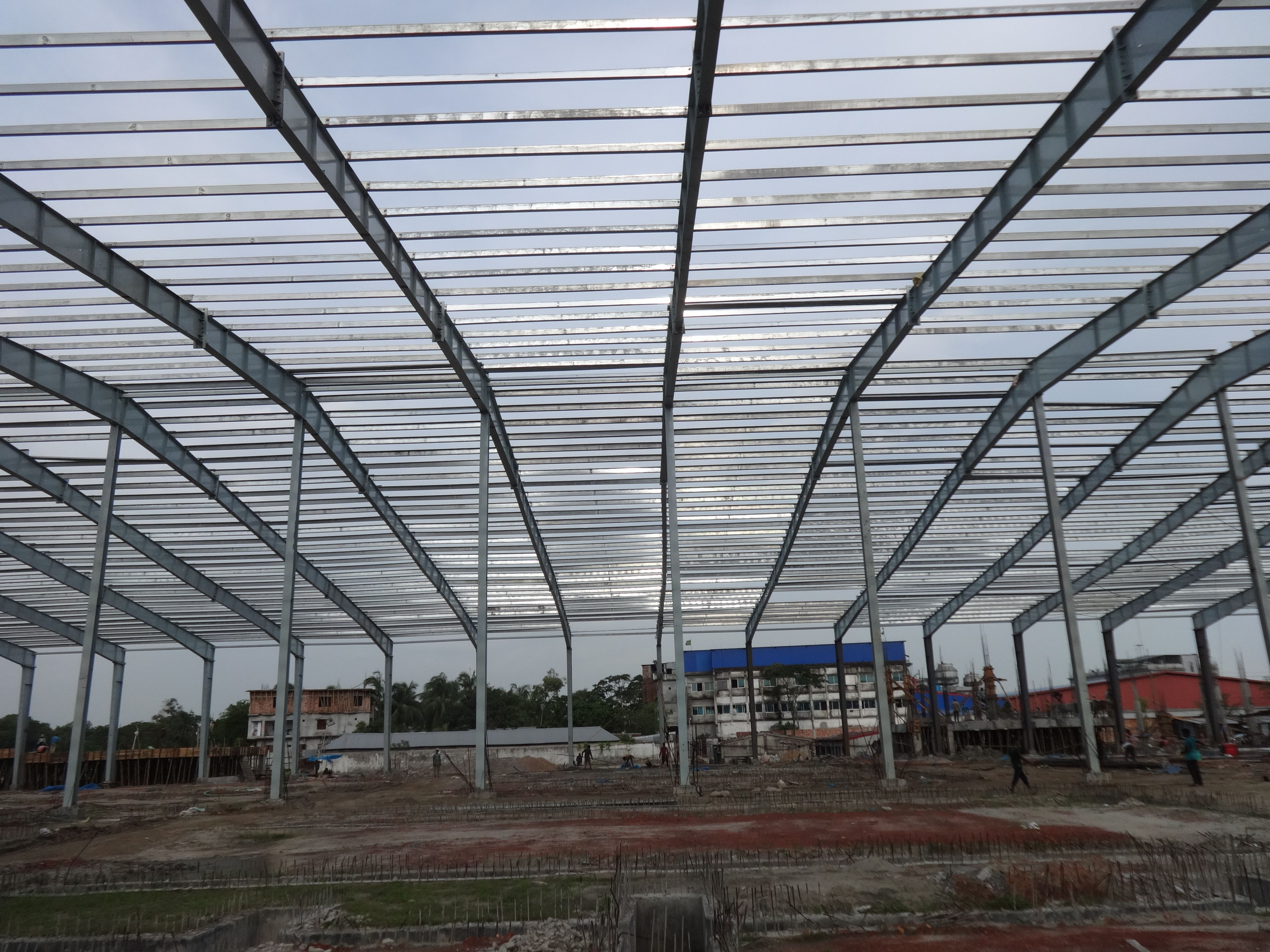 Manufacturing steel building constructions