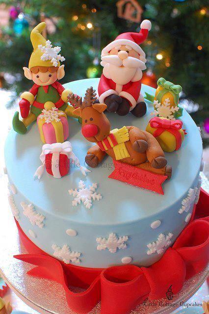 Top cake to my Christmas cupcake tower.