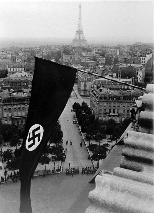 Resultado de imagen de hitler en la tumba del soldado desconocido en paris