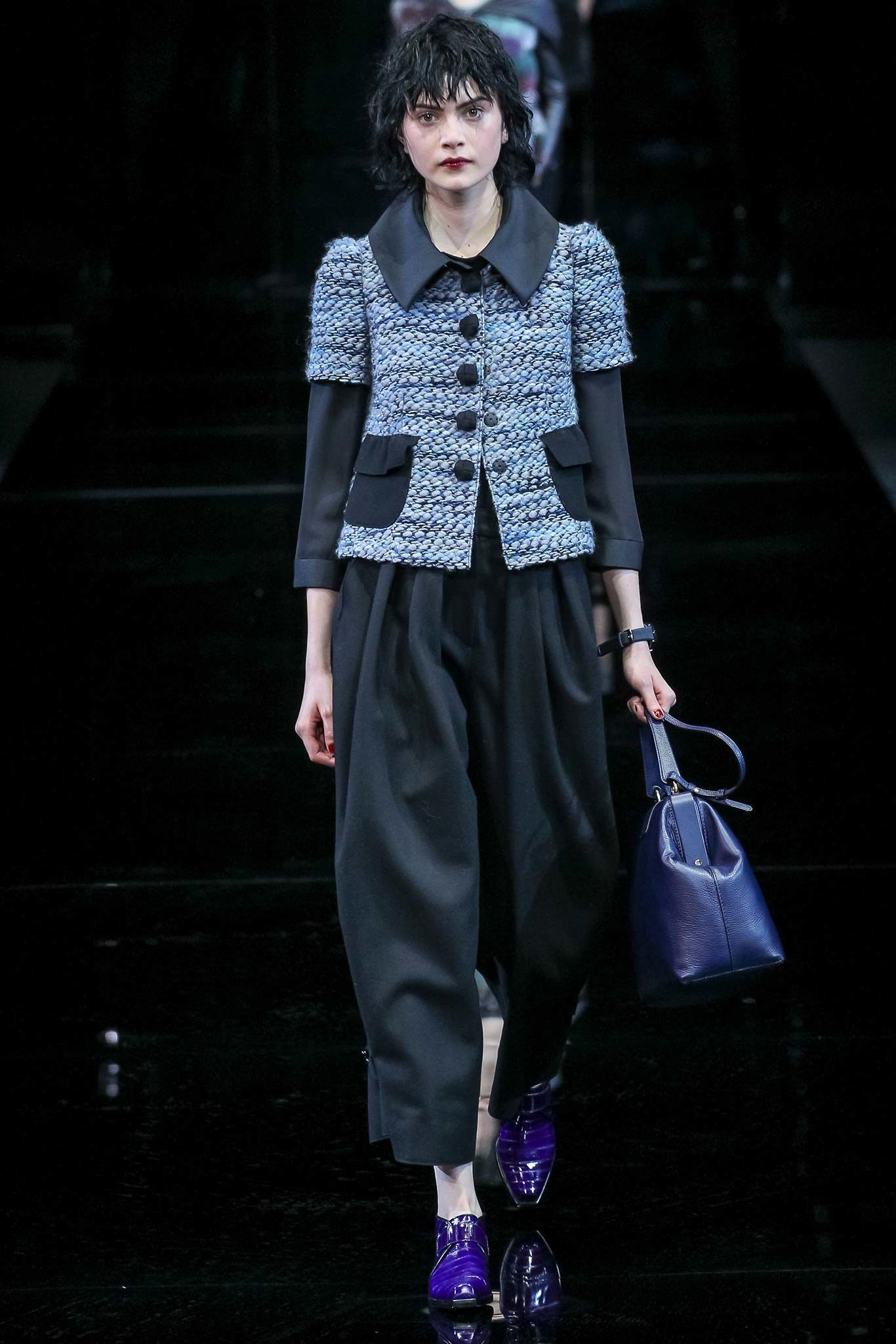 #Farbbberatung #Stilberatung #Farbenreich mit www.farben-reich.com look 2 - Emporio Armani Fall 2015 Ready-to-Wear Collection Photos - Vogue