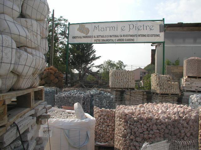 Lg marmi e pietre una azienda specializzata nella - Pietre da giardino ornamentali ...