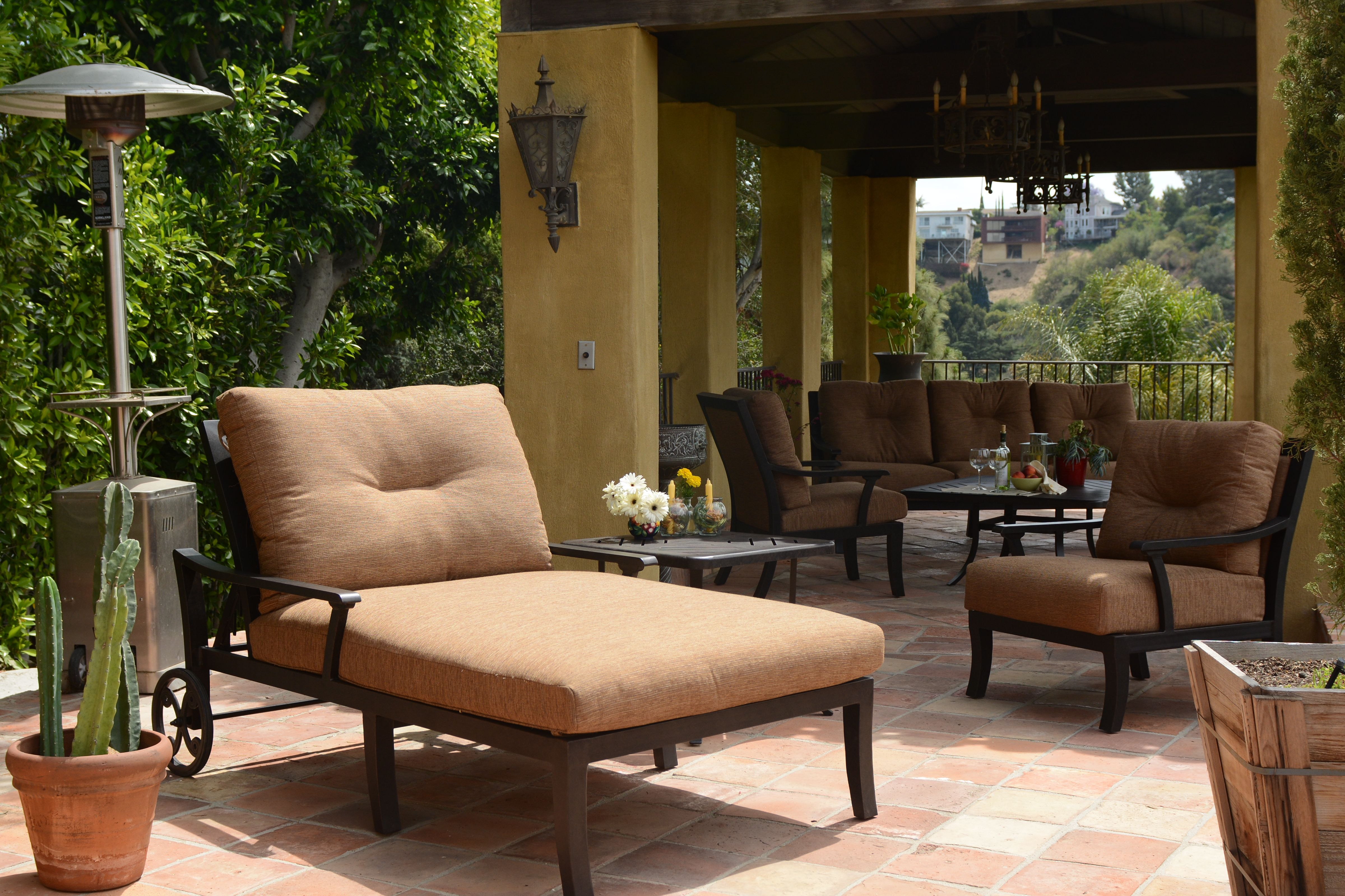 The Waldorf Collection From Mallin Deep Seating Outdoor Aluminum