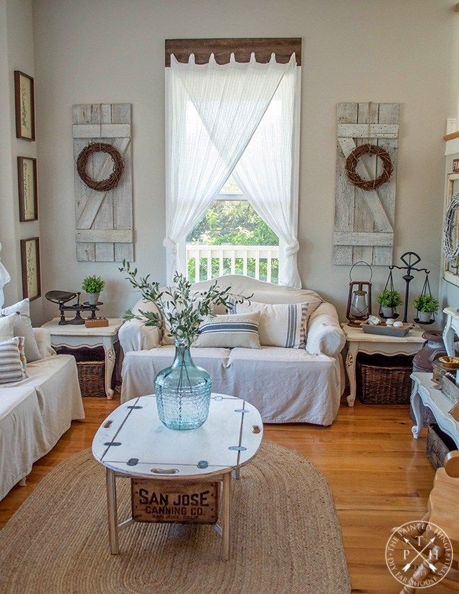 Farmhouse Window Treatments with Reclaimed Wood #windowtreatments