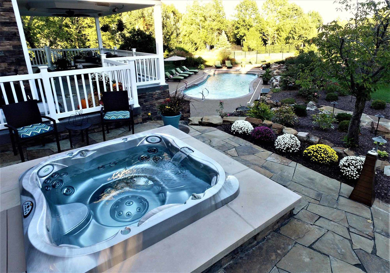 10  Most Stunning Salt Water Hot Tub