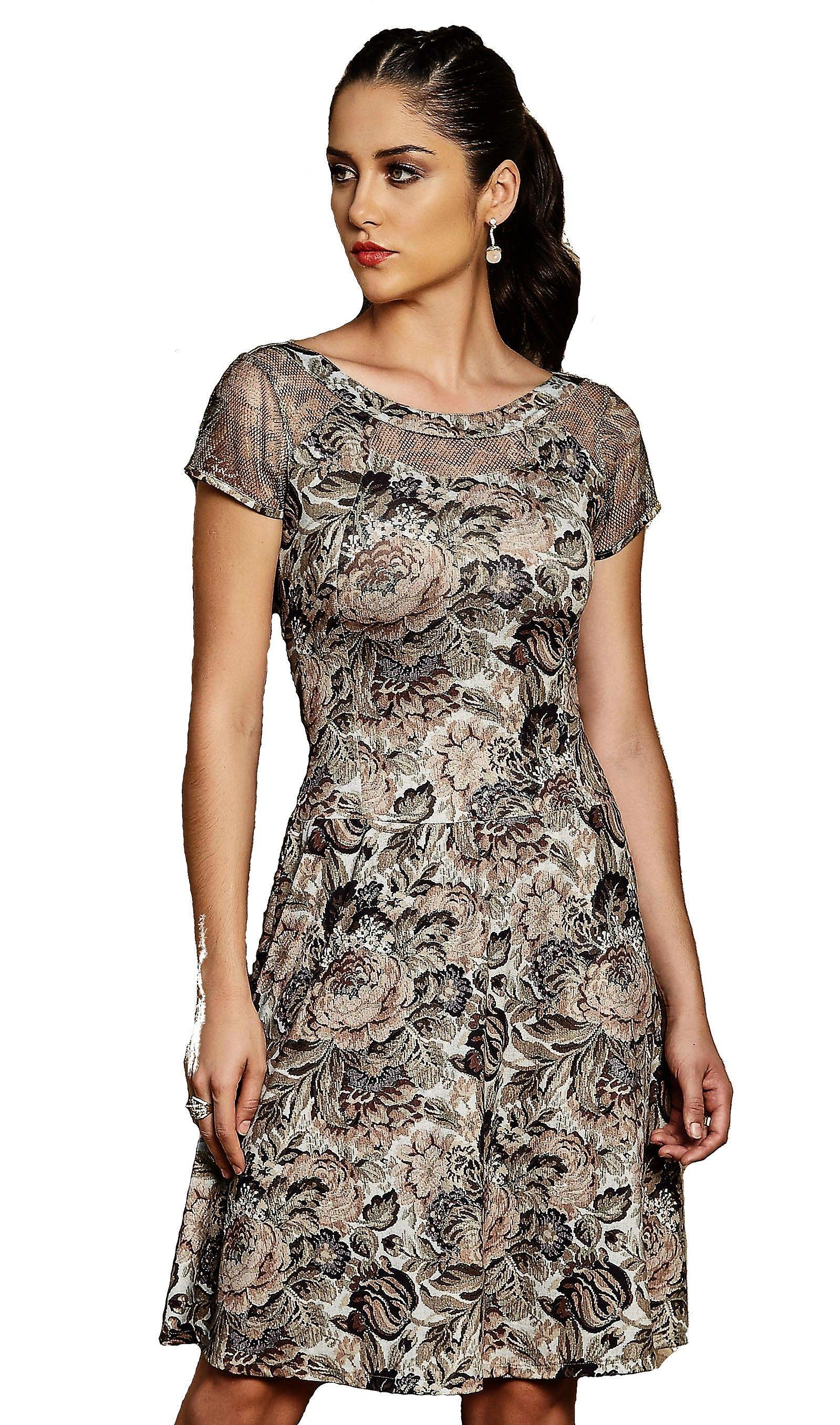 Vestido confeccionada em malha ceispy estampa digital detalhe tela