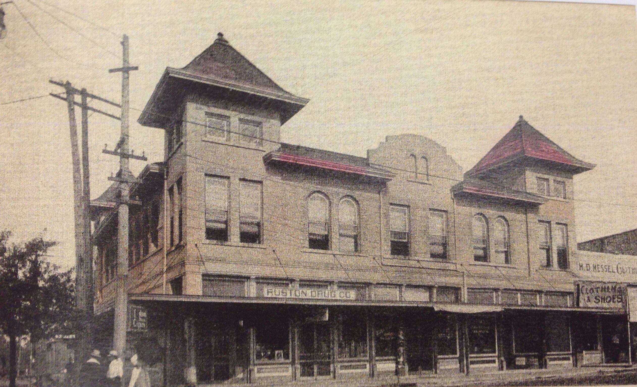 Ruston Company Below The Harris Hotel In 1911