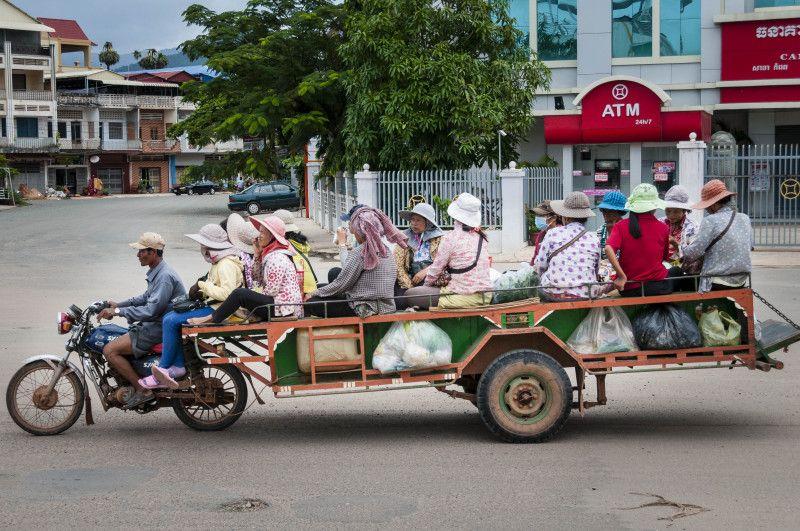 Vervoer per brommer (Cambodja)