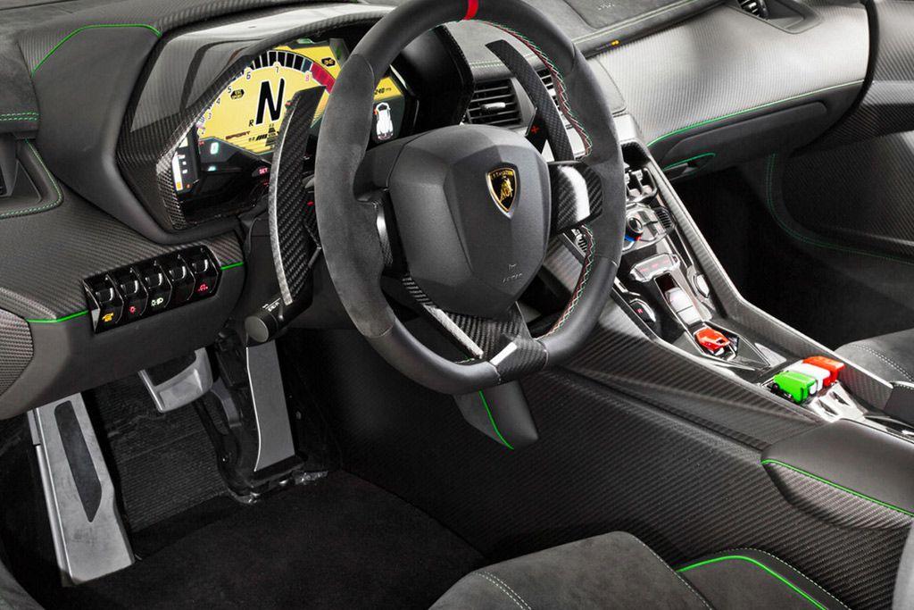 Rara Lamborghini Veneno Está à Venda Por US$ 11,1 Milhões