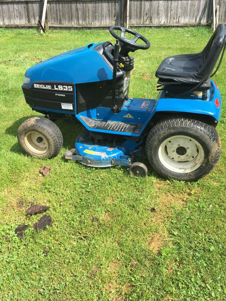 Ford Newholland Ls35 Garden Tractor Ford Garden Tractor Riding Lawn Mowers Lawn And Garden