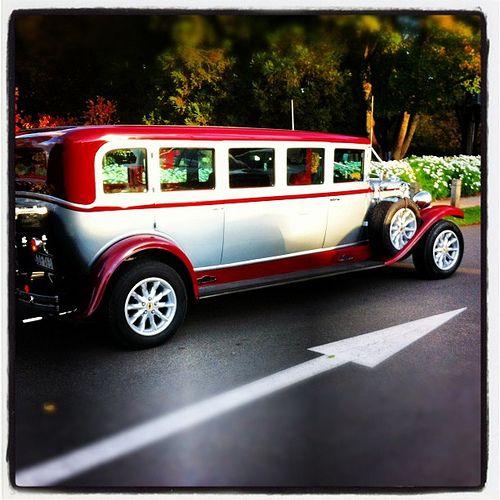 Cheap Wedding Transportation Ideas: Bogart's Limousine!