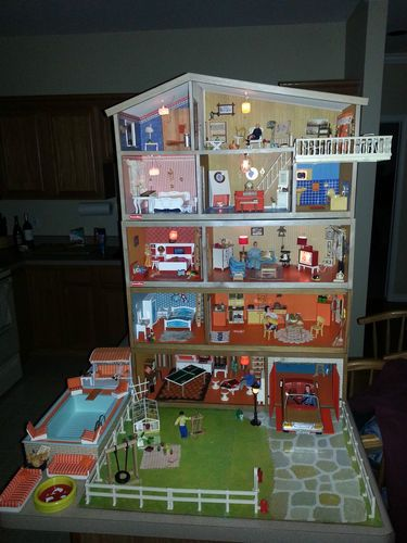 Lundby Vintage 1970s Fully Furnished Dollhouse With 577