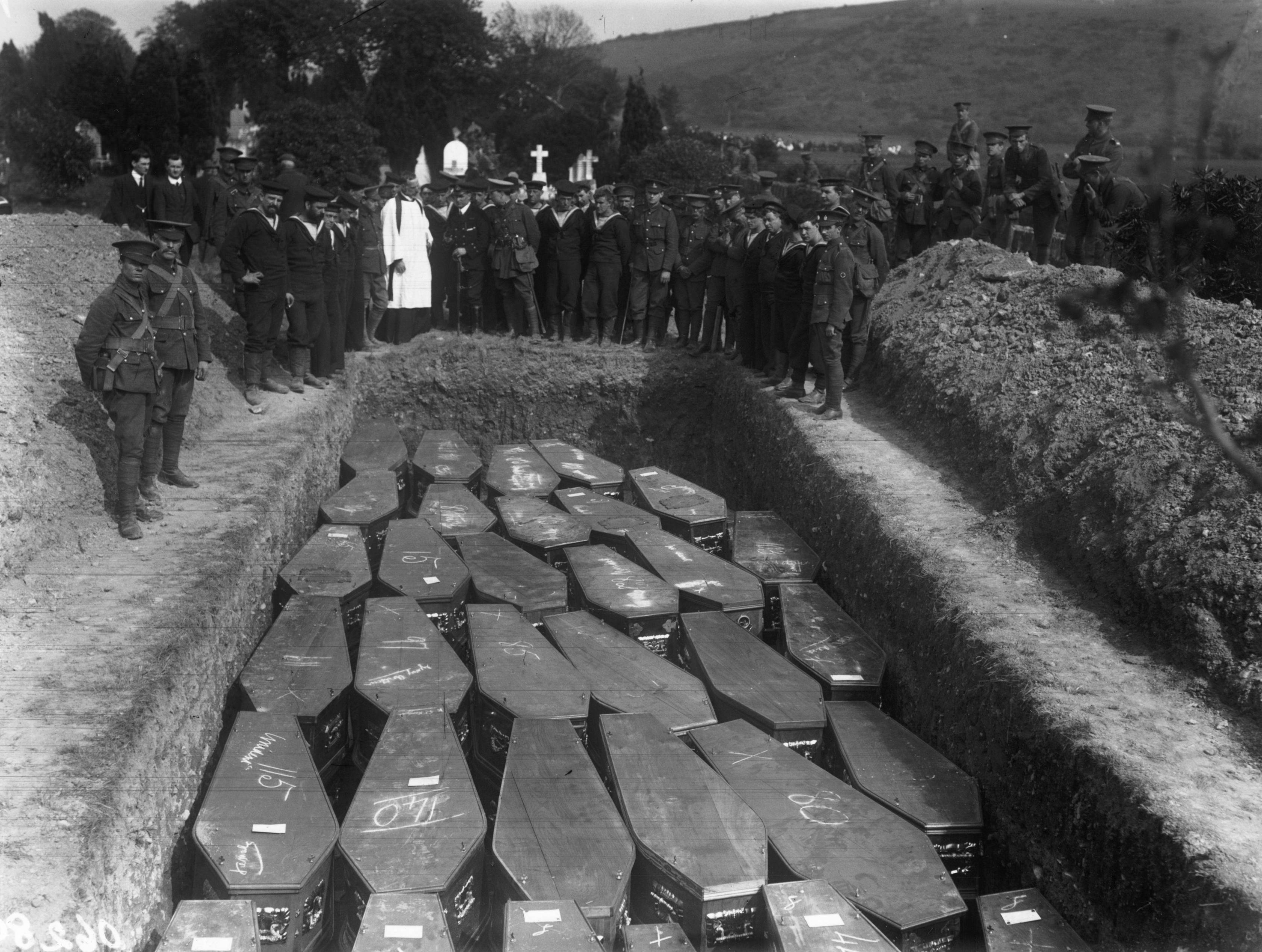Lusitania Burial In Ireland Lusitania World War I World War One