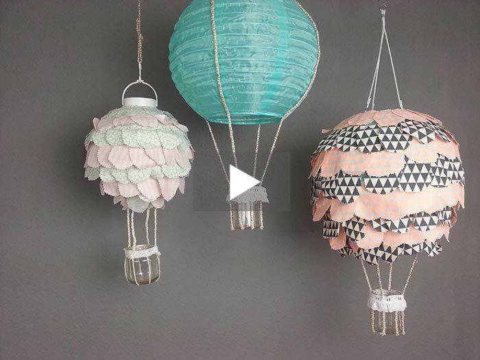 """Die Stoffreste stapeln sich und Du weißt nicht, was Du damit machen sollst? Aileen vom Blog Piccola Loona zeigt Dir in diesem Video, wie Du damit eine tolle Lampe gestalten kannst, die aussieht, wie ein Heißluftballon. Viel Spaß beim Nachmachen, Lesen von """"In 80 Tagen um die Welt"""" und Abheben!"""