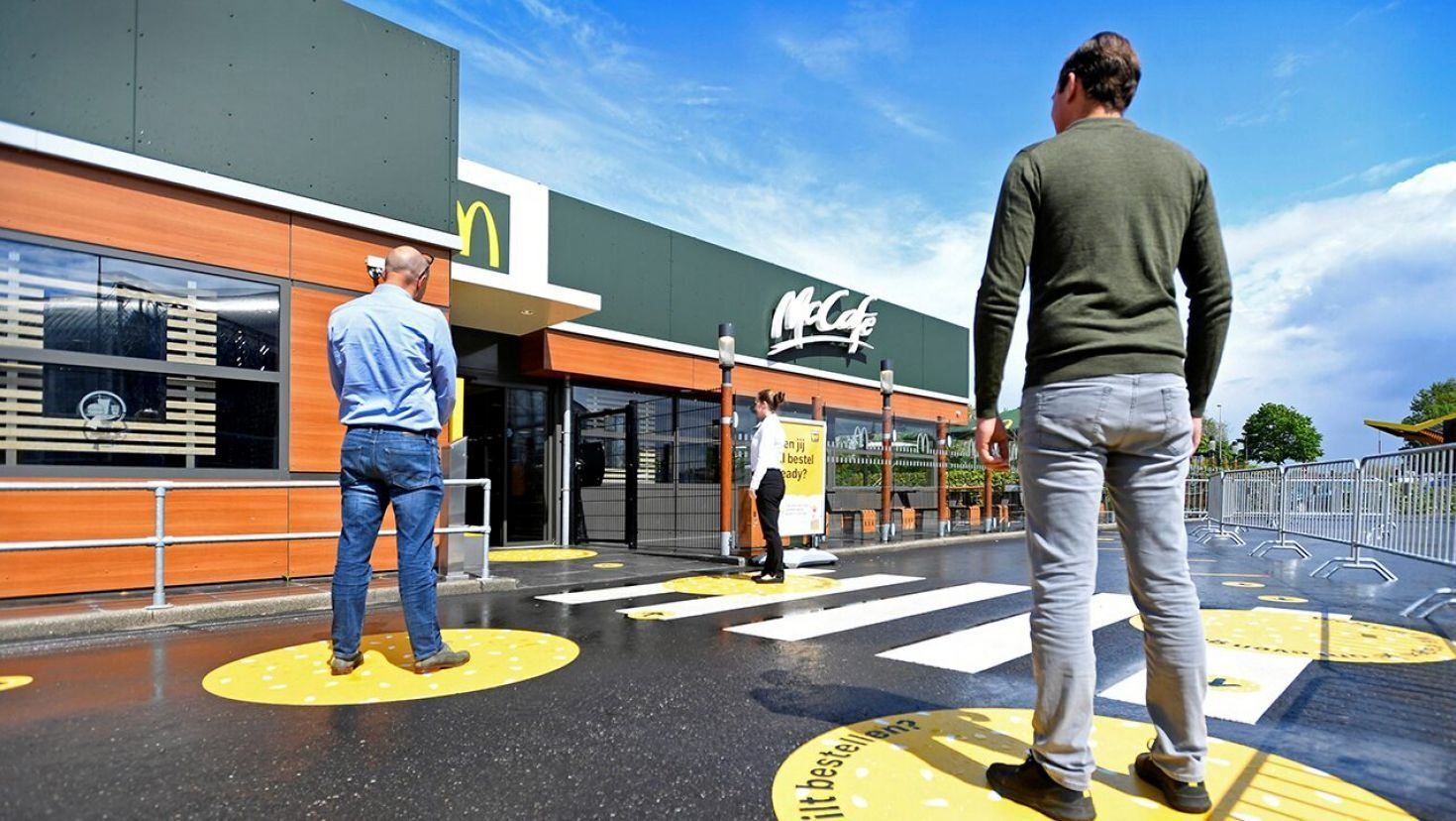 Netherlands Mcdonald S Tests Social Distancing Inspired Redesign For Post Lockdown Business In 2020 Mcdonalds Restaurant Types What Is Like