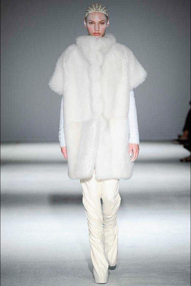 Winter white at Gareth Pugh #istyleny #style #pfw