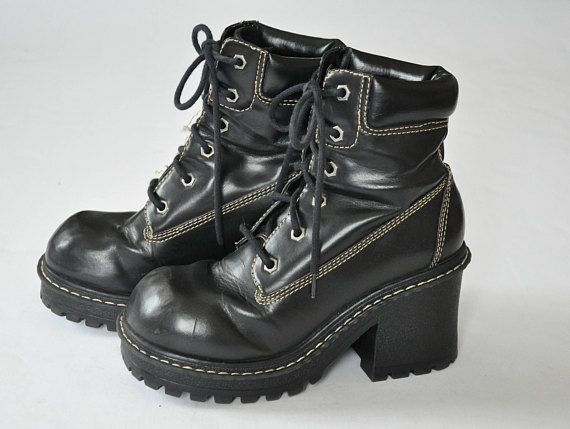 5dc39c915b7 90s LEI Black Leather Boots    Chunky Boots    Platform Boots    Lug ...