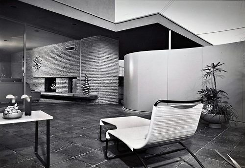 The Emerson Hall Studio Residence - 1954 Photo: Julius Shulman