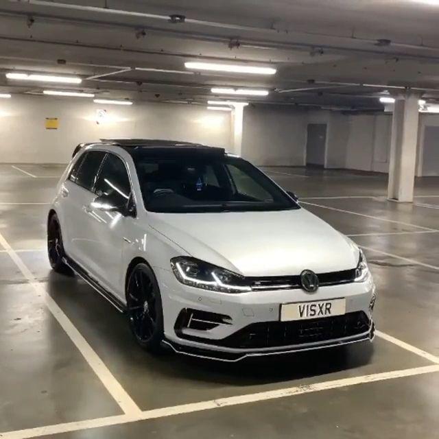 Photo of Volkswagen Golf MK7