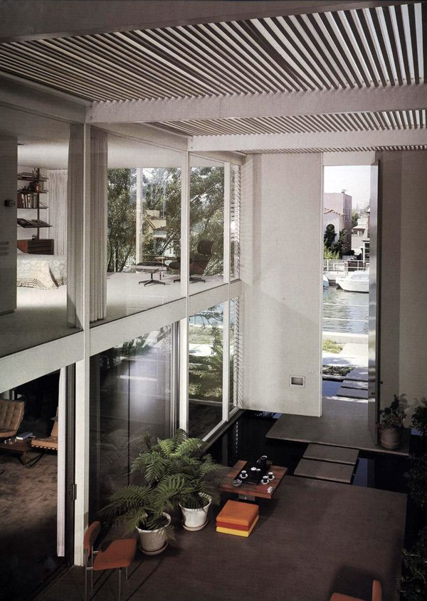 Case Study House #25. Designed by Killingsworth, Brady, Smith & Associates. This house was built in 1962 for Edward Frank and is located in Long Beach, California. Photo taken by Julius Shulman, 1962.