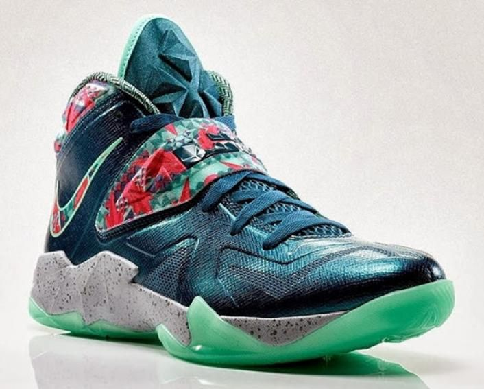 differently f8d50 cf3e9 Image Nike LeBron 7 Soldier