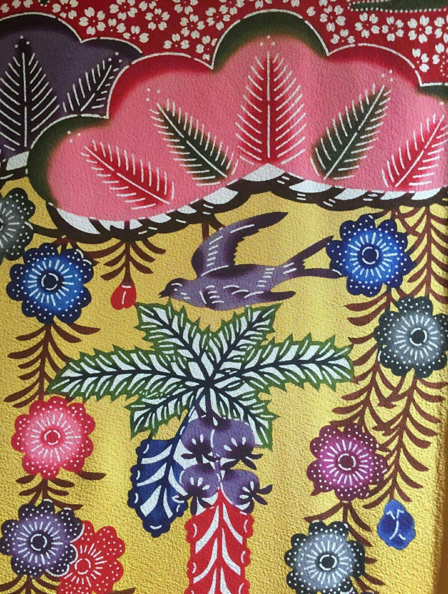 Bingata beauty! See the killer kimonos at Chelsea's Onishi Gallery this weekend. For more, tap into http://www.traditionalhome.com/design0/bingata-beauty Japan Society Japan Today Japan - The Government of Japan   All Nippon Airways Okinawa, Okinawa Asia Week New York Association Japanese Art Dealers Association #bingata #okinawa #textileart #nippon #resistdyeing #japan #design #interiors #makermovement #inspiration #handmade #art #craft #fashion