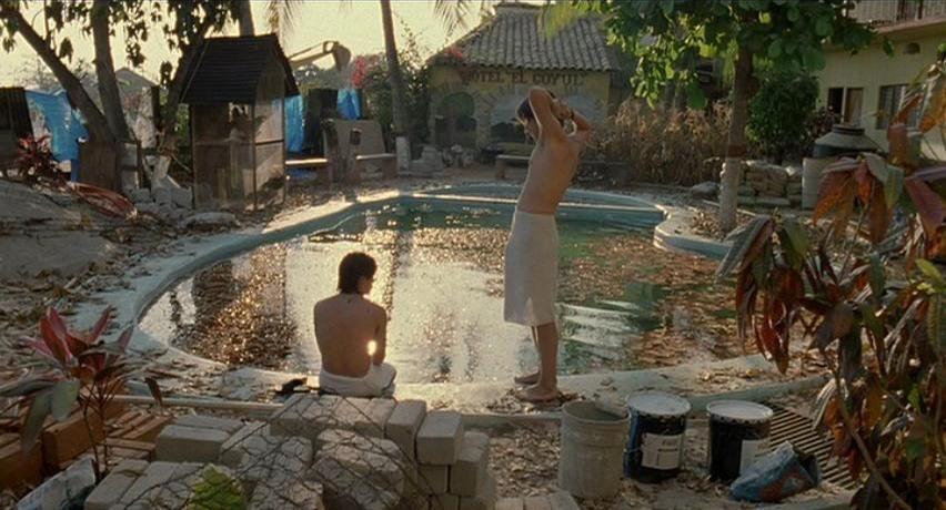 Y tu mama tambien pool scene