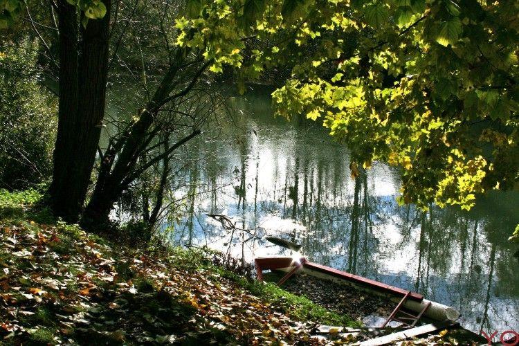 Fonds D Ecran Nature Fonds D Ecran Fleuves Rivieres Torrents Une Barque Une Riviere Et Le Soleil Par Yolus Hebus Com Fond Photo Barque Fond Ecran