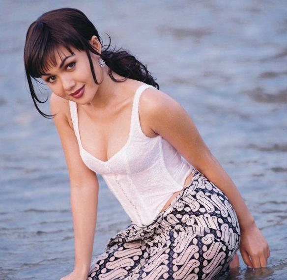 Yuni shara porn