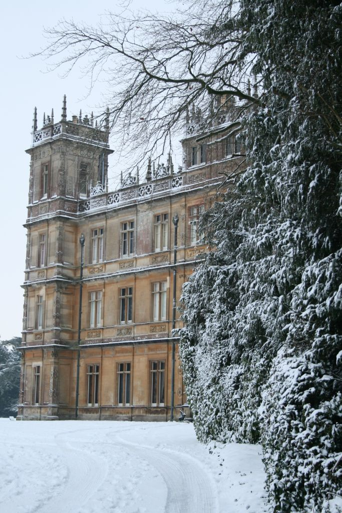 Highclere Castle - home of Lord & Lady Carnarvon - filming ...
