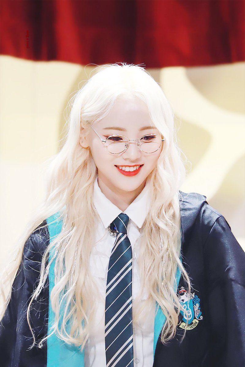 Jinsoul Pics On Twitter Kpop Girls Odd Eyes Olivia Hye