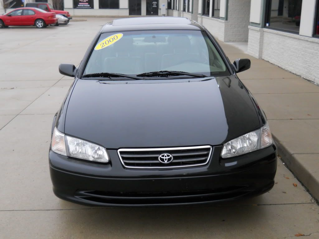 Toyota camry le with miles fully loaded black exterior with tan leather seats interior