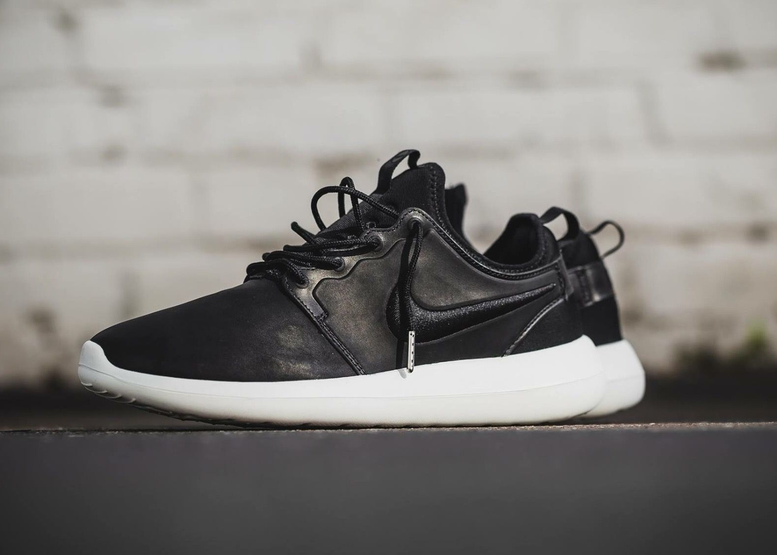 purchase cheap f09a4 743c9 Nike Roshe Two: black Leather | Kicks | Nike shoes cheap ...