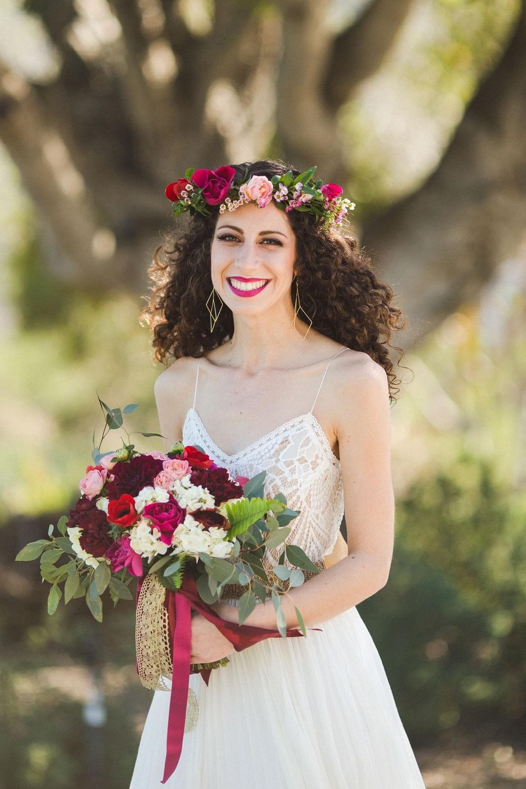 Boho Bride Flower Crown Spaghetti Strap Wedding Dress Red
