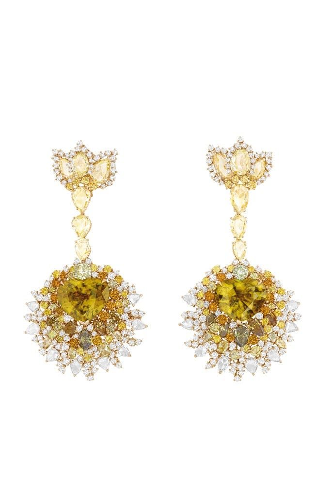 A pair of earrings from Dior Joaillerie's Dear Dior collection