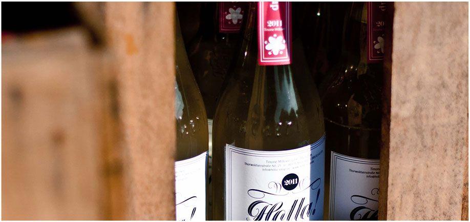 Leckere Getränke mit Holunderblüte von Holla-Sirup: http://ehrlichesessen.com/holunderlimo-von-holla-sirup/