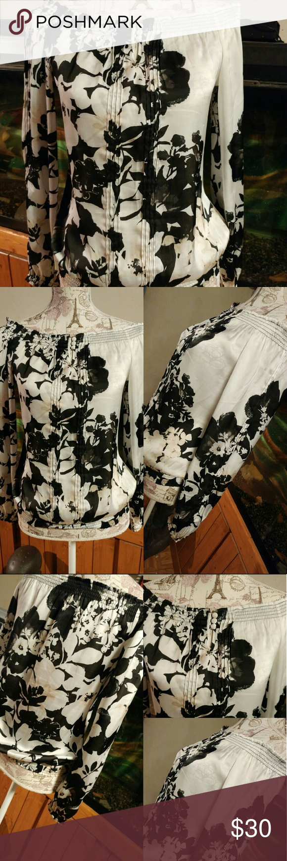 🎉⬇💲🎉WHITE HOUSE BLACK MARKET Silky to touch. Off shoulder. Keyhole grunt with top buttons. Beautiful floral. Tag XS fits bigger. White House Black Market Tops Blouses