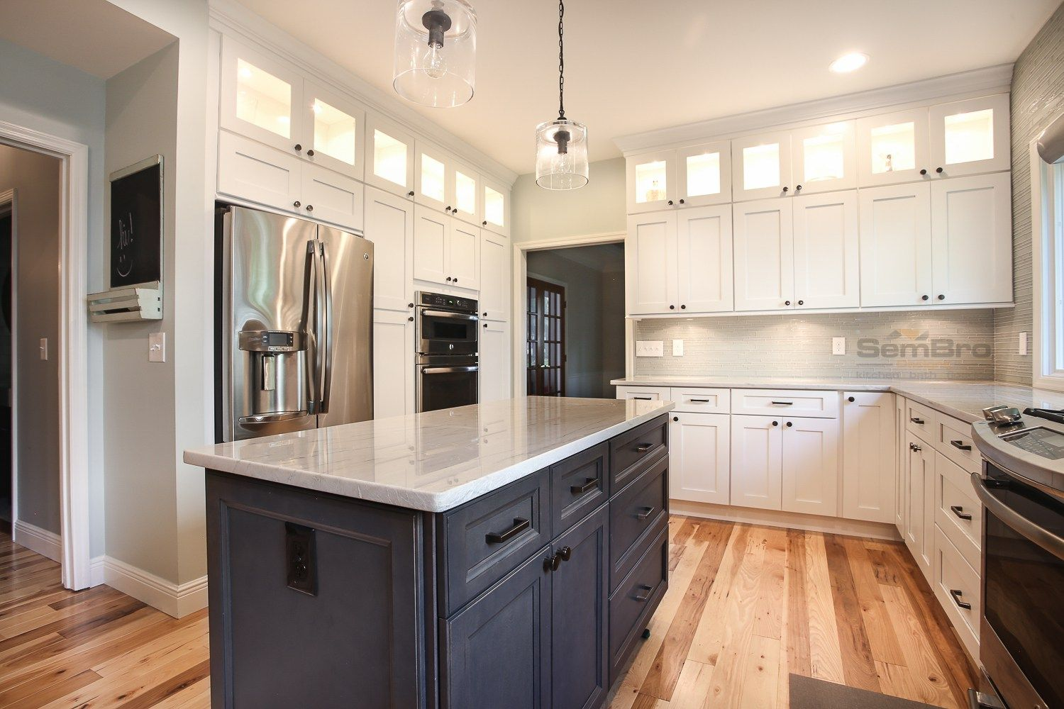 Best Ice White Shaker With Downtown Dark Cabinets In Dublin 400 x 300