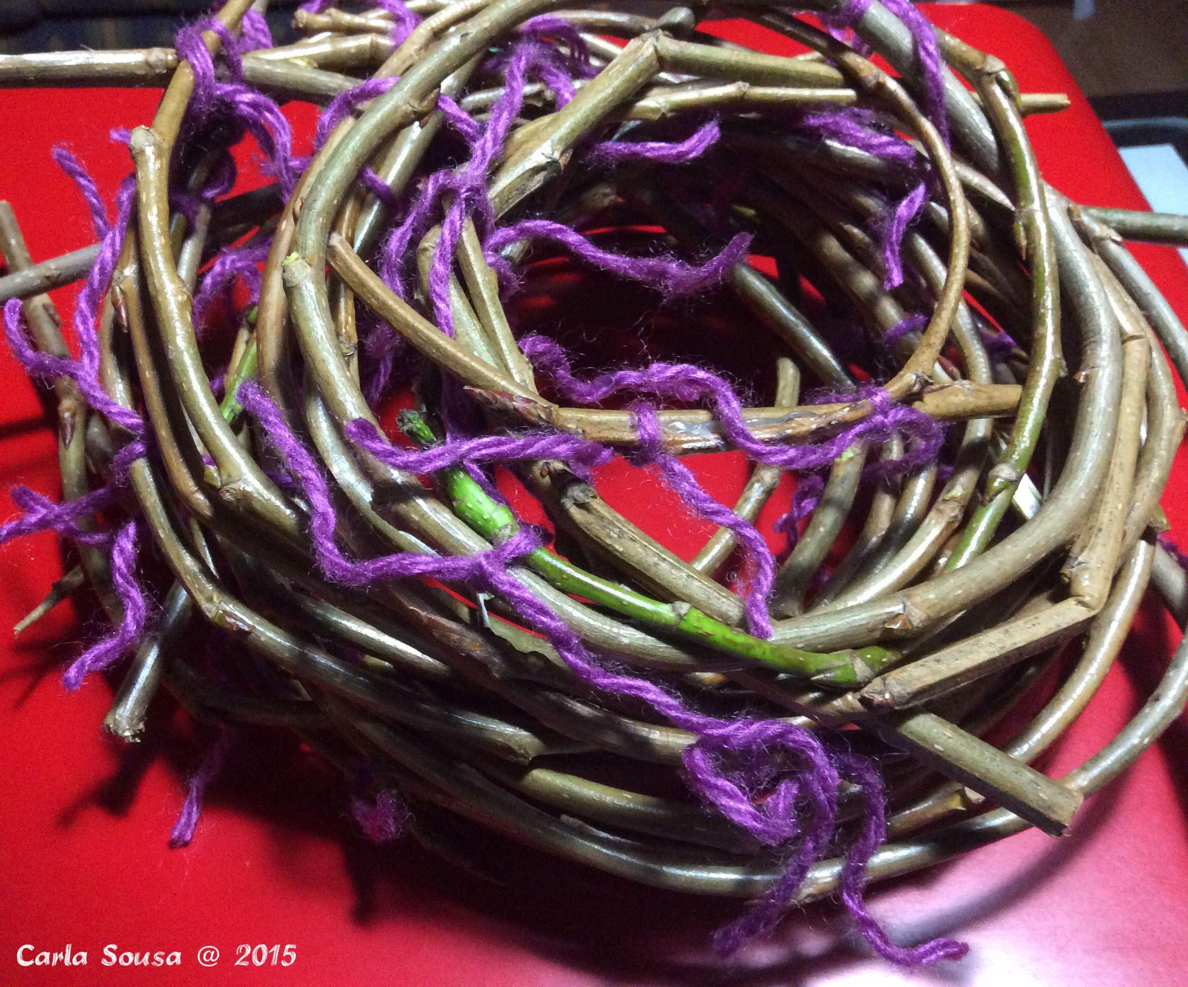 Ramos prontos para secarem. Novidades em breve! Branches ready to dry. News coming soon! #crafts #artesanato #
